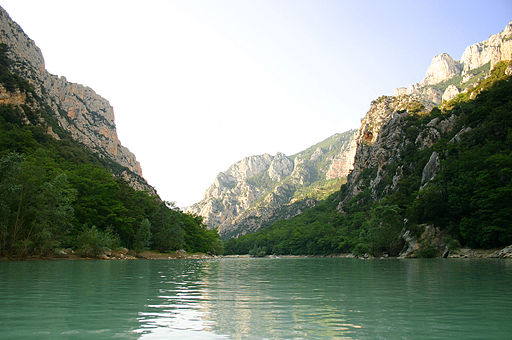 Gorges du Verdon                 (©Par Stefan Bauer, http://www.ferras.at (Travail personnel) [CC BY-SA 2.5 (http://creativecommons.org/licenses/by-sa/2.5)], via Wikimedia Commons)